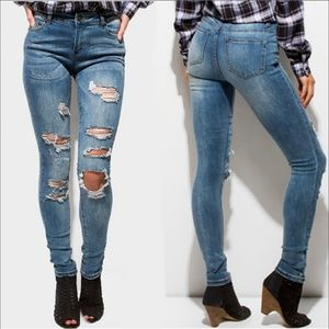 Denim - HOST PICK  Mid Rise Ripped Skinny Jeans Size 9